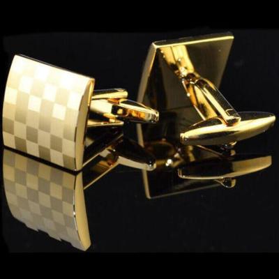Manžetové gombíky zlatá šachovnice