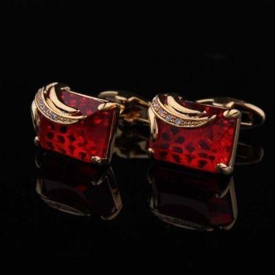 Manžetové gombíky rubínovej farby gold